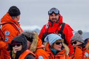 Antarctica_Neko Harbor_Zodiac Cruise_Hum
