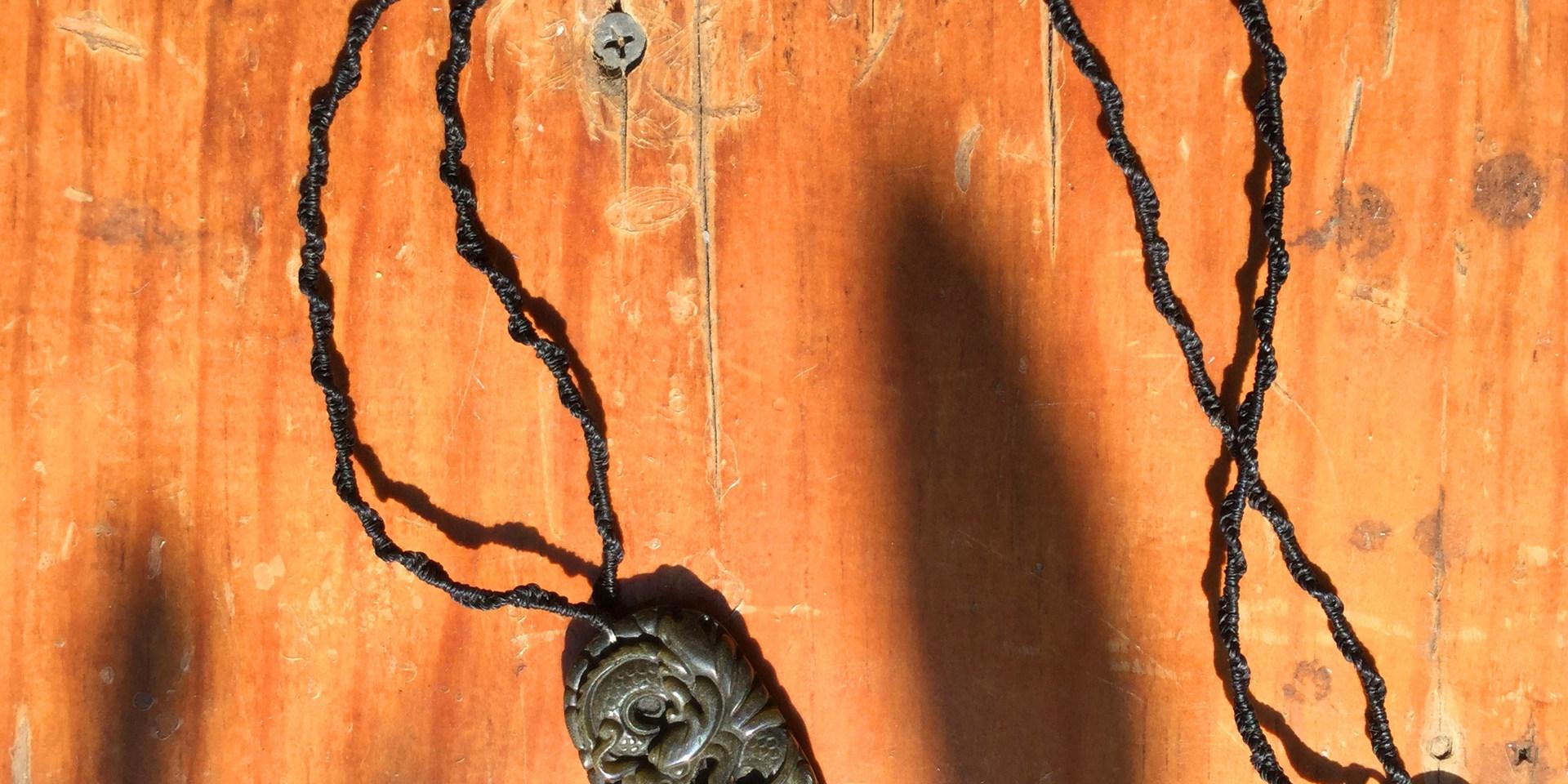 dragon pierre obsidienne dorée pendentif homme