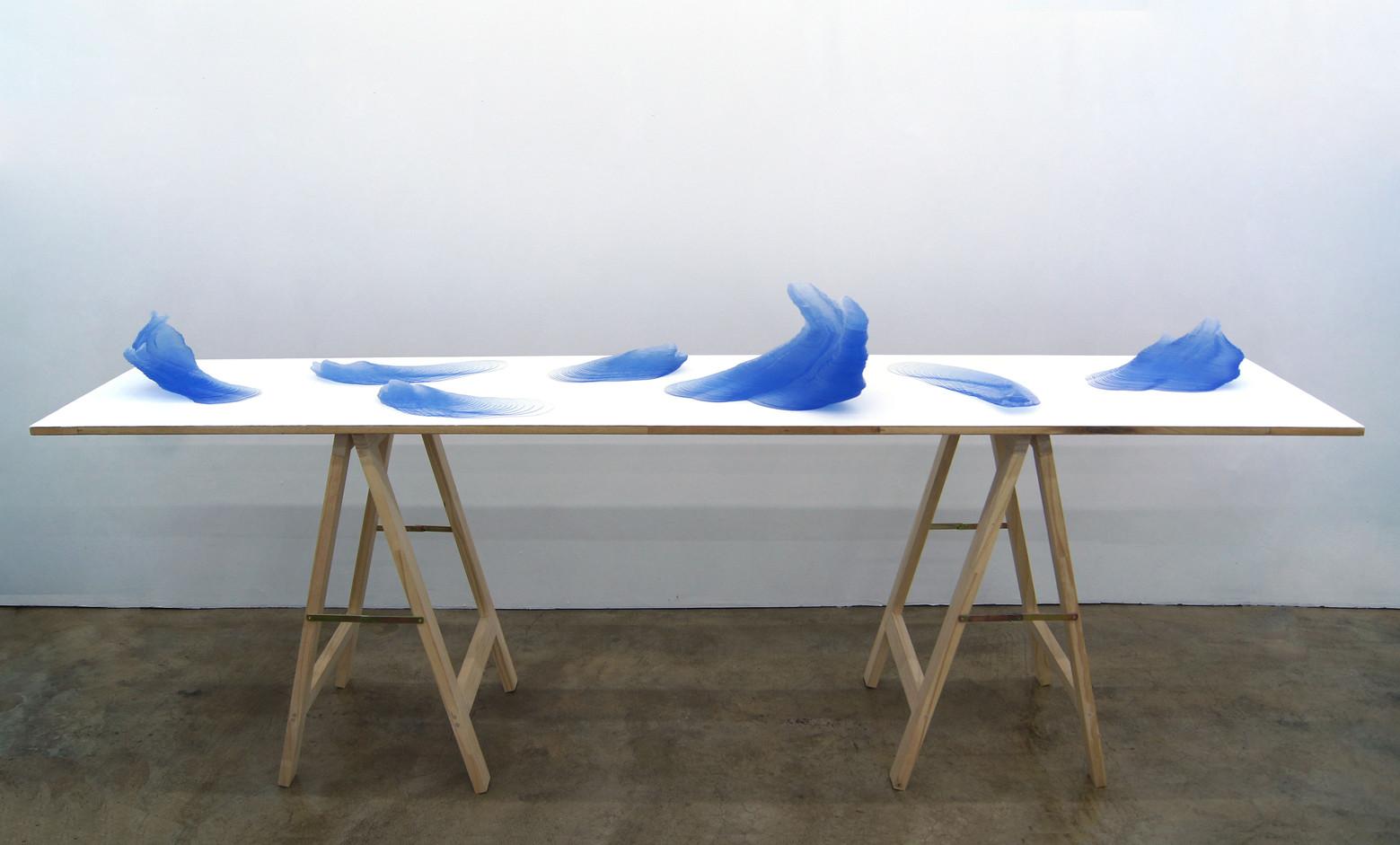 김윤수, Waves, 100(h)x244x50cm, 2018