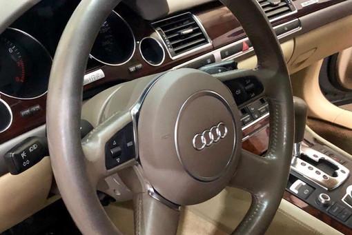 Reparación volante Audi S8
