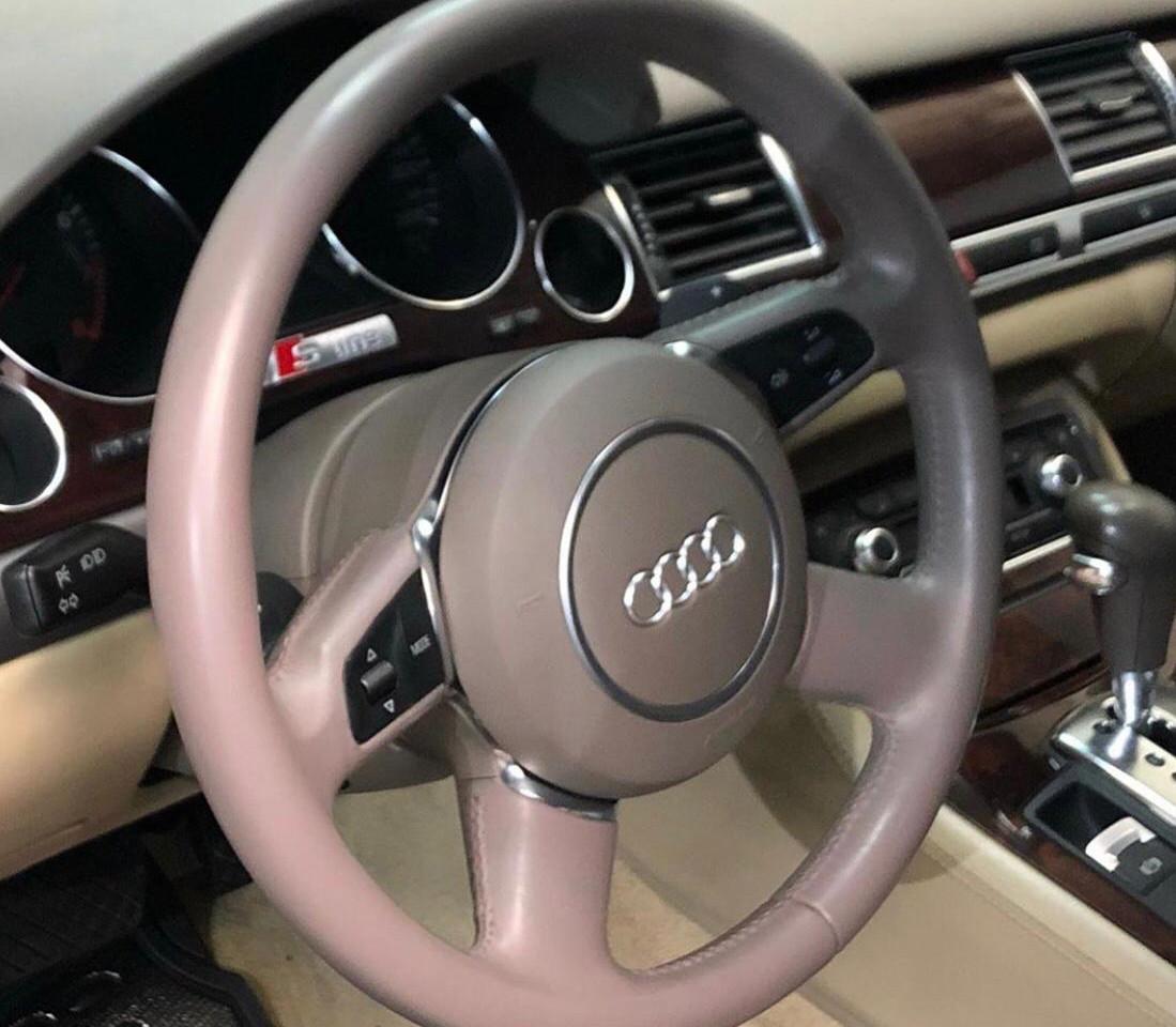 Volante reparado Audi S8