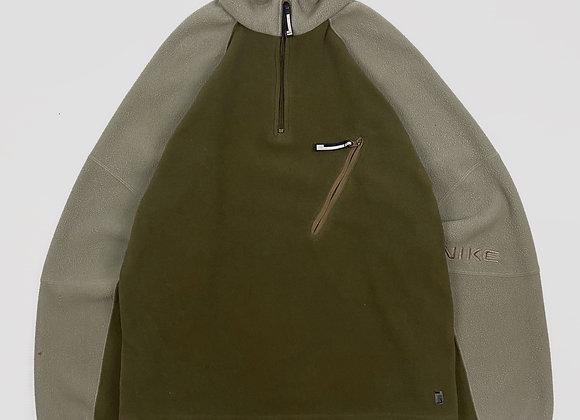 Nike Fleece Pullover (M/L)