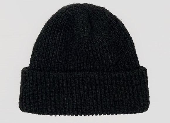 Ribbed Black Beanie (OS)