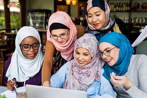 forweb2islamic-women-friends-working-tog