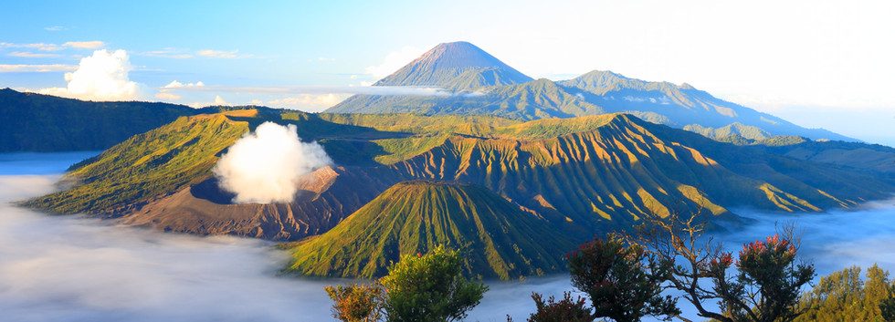 Sunrise. Bromo volcano. Indonesia.jpg