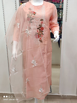 Thred with pearl work Kurti with pant organza dupatta