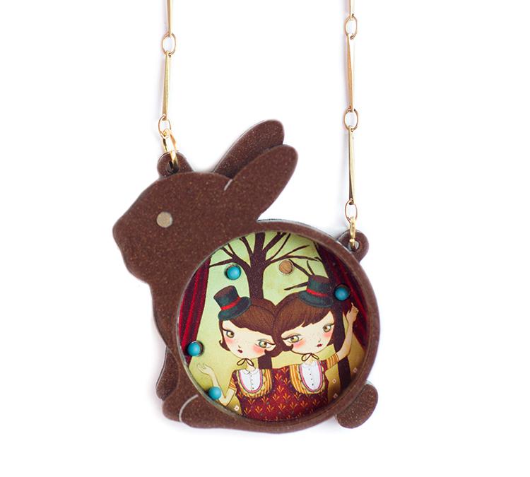rabbitbrown_necklace_Laliblue