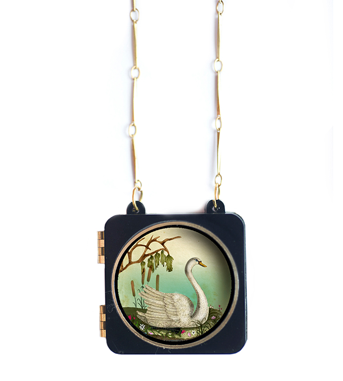 Swan_necklace_Laliblue