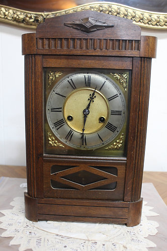 A Lovely Antique Mantle Clock in Oak Case with 12 Month Warranty*