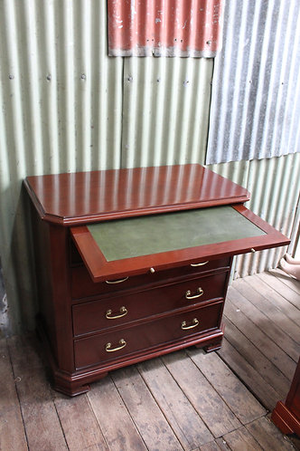 A Vintage Mahogany Dresser Chest of Drawers with Leather Inset Pull Out Slide