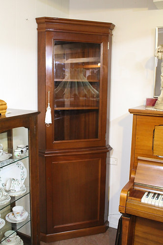 A Vintage Quality Made Mahogany Corner Display Cabinet with Glazed Top