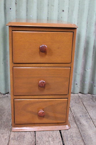 A Vintage Victorian Style Mahogany Chest of Drawers - Bedside Cabinet