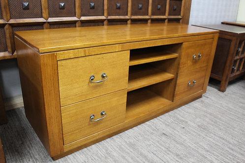 A Solid Oak TV Stand - Entertainment Unit - Cabinet 1.4 Metres