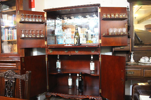 A Vintage Mahogany Fully Fitted Cocktail Drinks Cabinet Bar on Ball & Claw