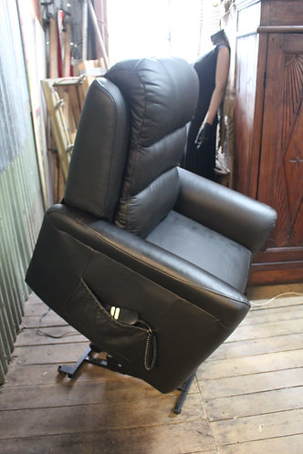 Electric Lift Chair Recliner 100% Genuine Leather *FREE DELIVERY *T&C's Apply