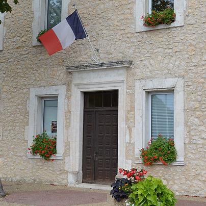 la mairie de Revest du Bion