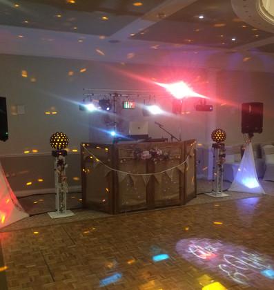 Medium 'Rustic' Themed Wedding
