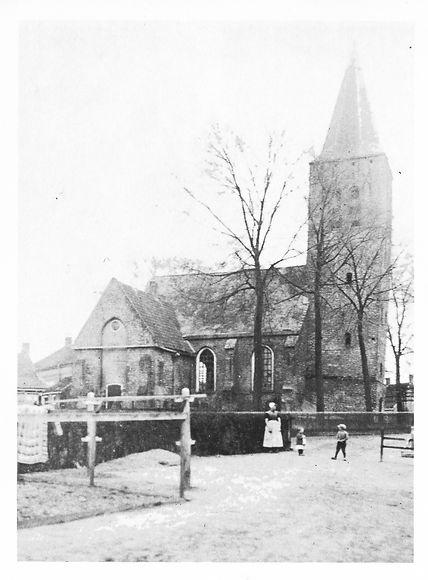 3. Verkleinde 17e eeuwse kerk Schore . bron v Winkelen.jpg