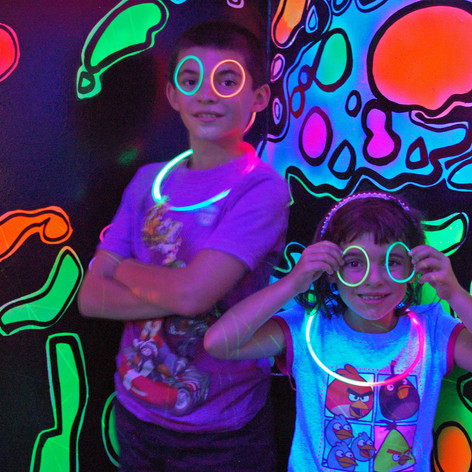 WH-Kids glowing.jpg