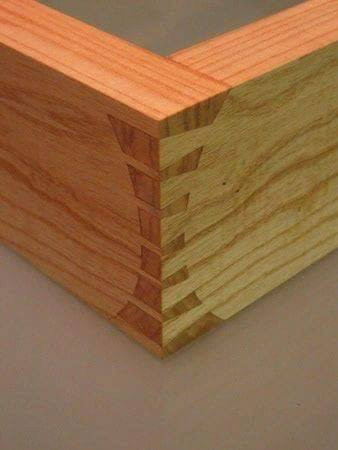 A good hand cut dovetail joint is always regarded as the benchmark of a good craft
