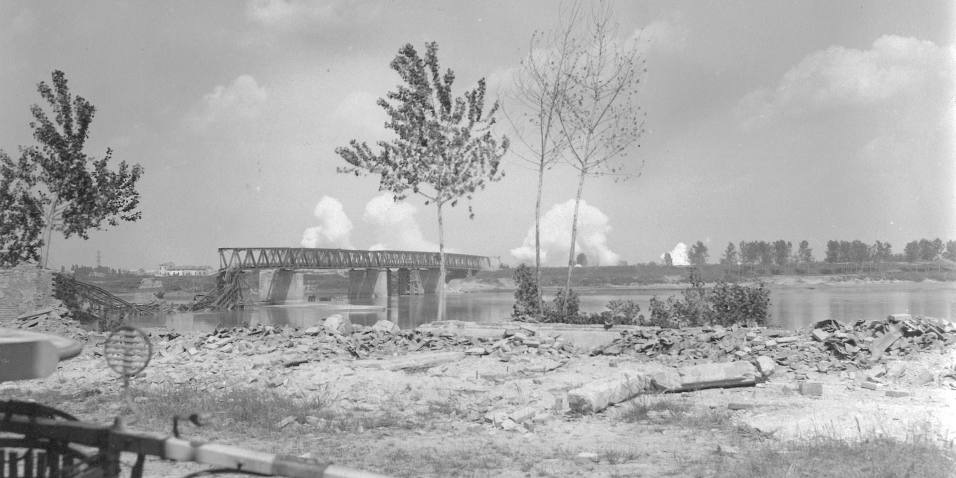 24 April 1945 - Po River