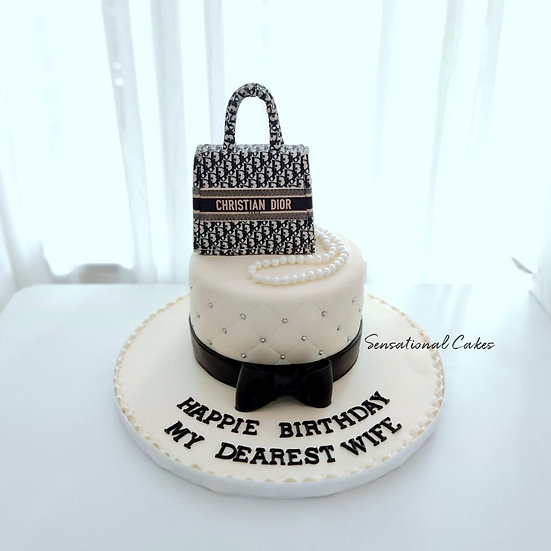 Sophisticated CD Bag with Black Ribbon Woman 3D Customized Cake