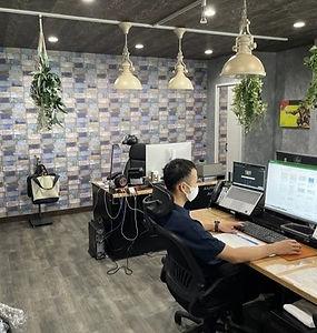 アシストライン事務所-2階の経営推進室_edited.jpg
