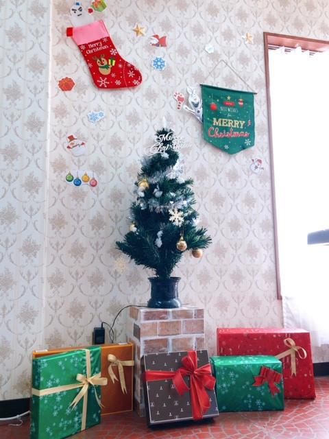アシストライン寝屋川営業所-クリスマス事務所風景