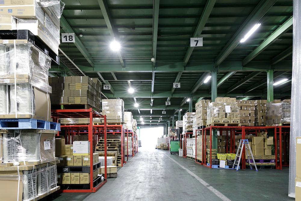 アシストラインの東大阪本社倉庫