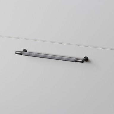 PULL BAR / LINEAR / GUN METAL / MEDIUM