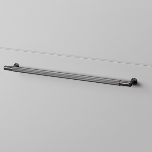 PULL BAR / LINEAR / GUN METAL / LARGE