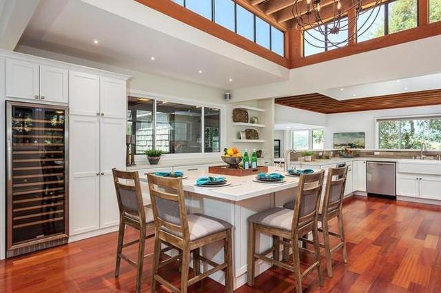 19 Brione Vw Kitchen.jpg