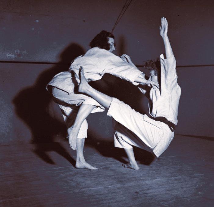 Womans Jiu Jitsu