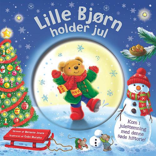 Lille bjørn holder jul