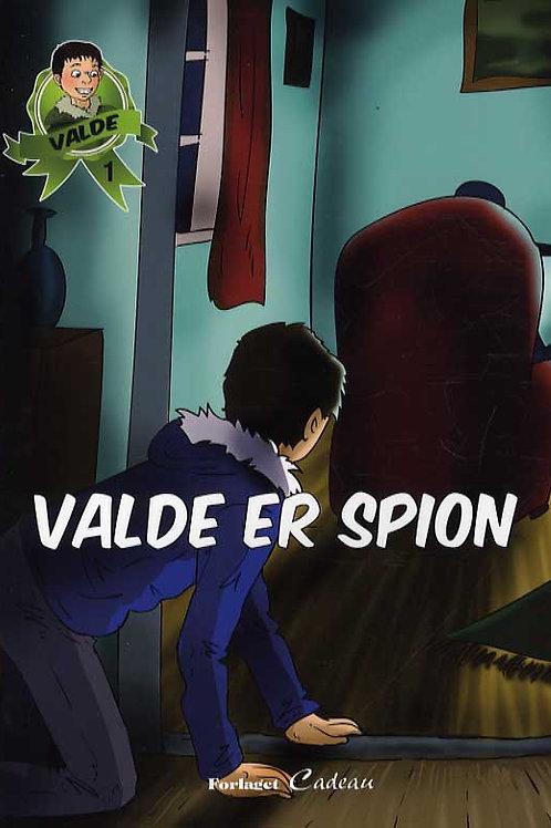 Anna-Marie Helfer, Valde er spion