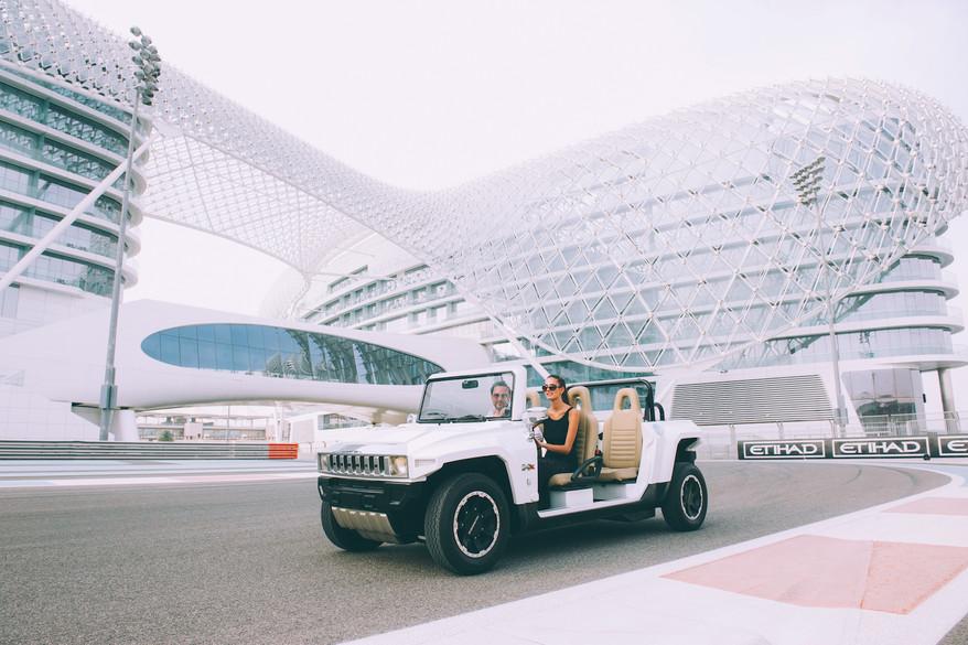 xAbu Dhabi Yas Hotel Polar White HXT Lim