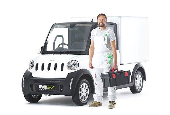 tradesman-next-to-electric-van-MEV.jpeg