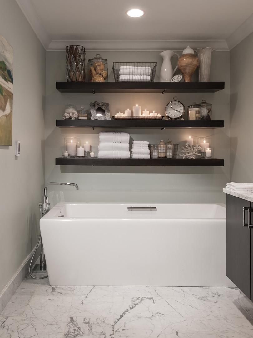 RSI - Raichle MB and 1st Floor Bath-3494