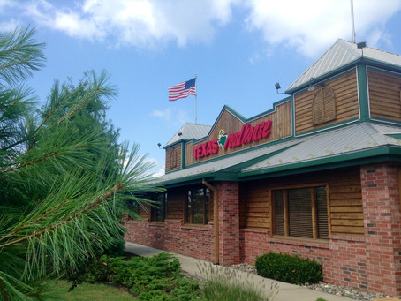 The CEO of Texas Roadhouse Gives up His Salary to Pay Front-Line Employees