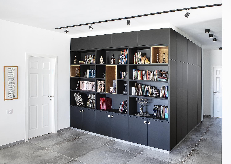ספרייה בעיצוב מודרני