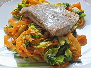 Zeleninové taglatelle s petržlenovým pestom a sumčekom 😋