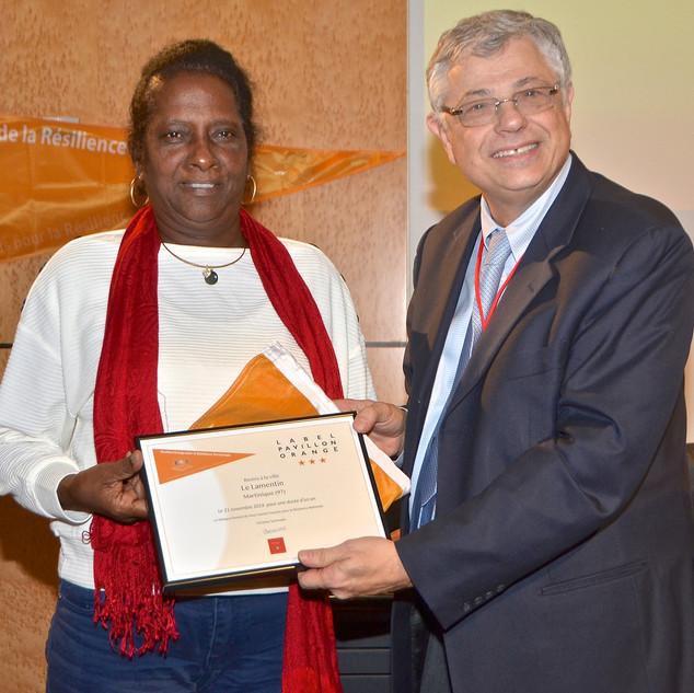 Cérémonie de remise de diplôme du Pavillon Orange à la ville du Lamentin