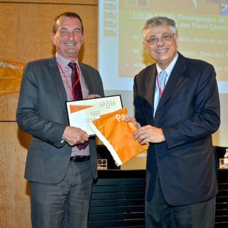 Cérémonie de remise de diplôme du Pavillon Orange à la ville de Draguignan