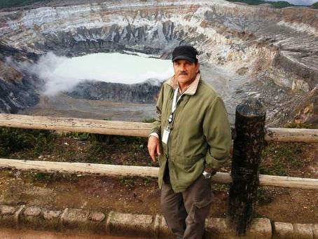 Juan Dobles-Poás, 40 años de servicio y buscando el tesoro de la Isla del Coco