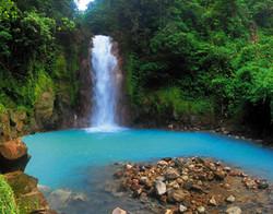 rio-celeste-costa-rica-1-386
