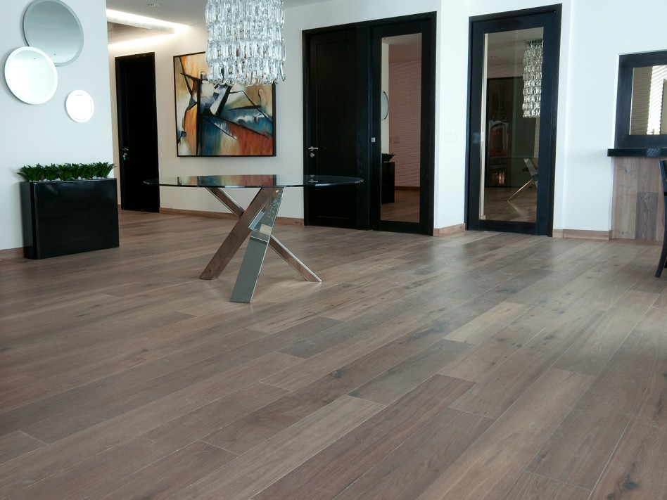 Cochrane Floors - Rustic Villa Oak