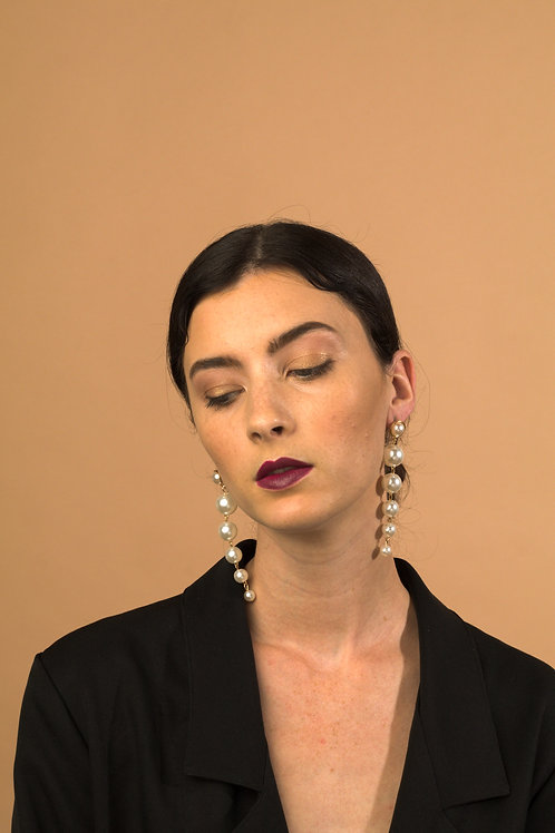OH DARLIN' Pearl Drop Earrings