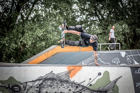 Handplant, Skatepark Hard