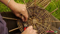 making-willow-baskets-rWN-o.jpg