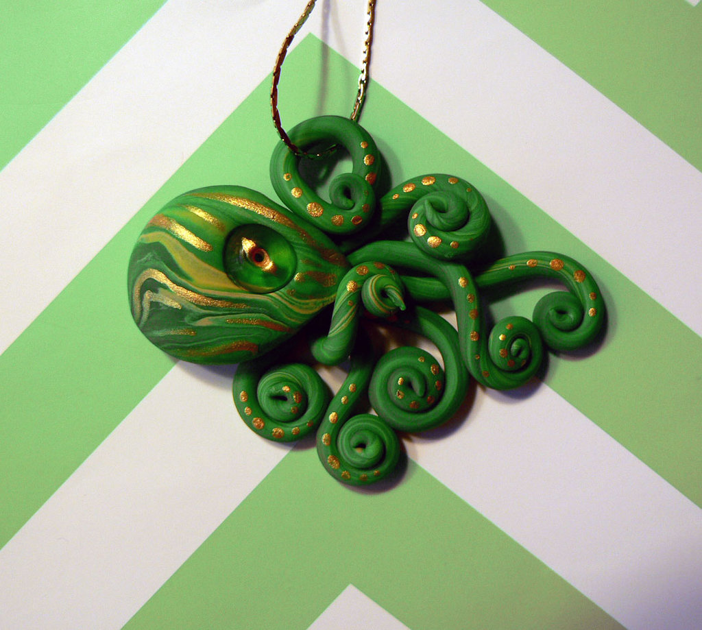 green_and_gold_octopus_necklace_by_blackmagdalena-d95nmvm